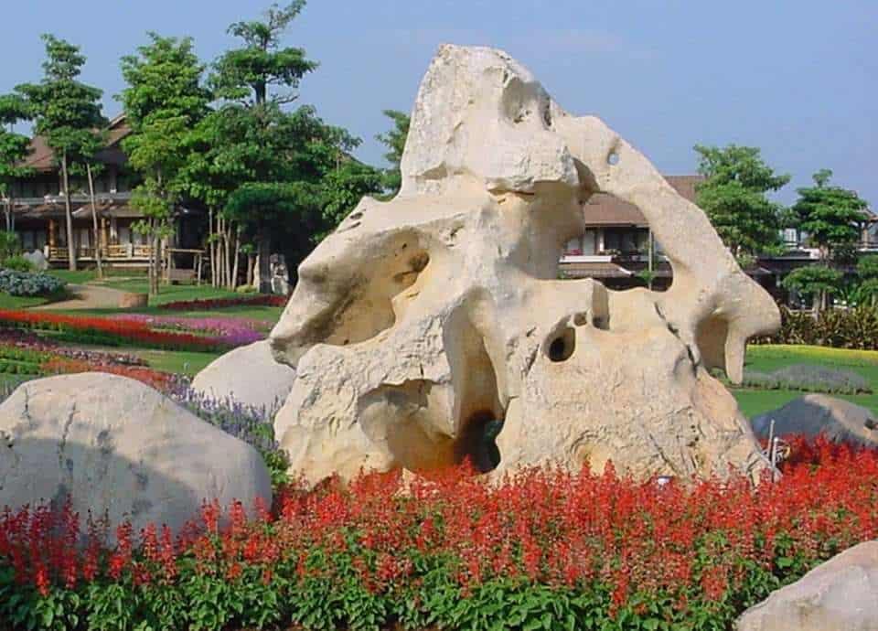 Felsen und Findlinge sind ein Highlight in jedem Garten.