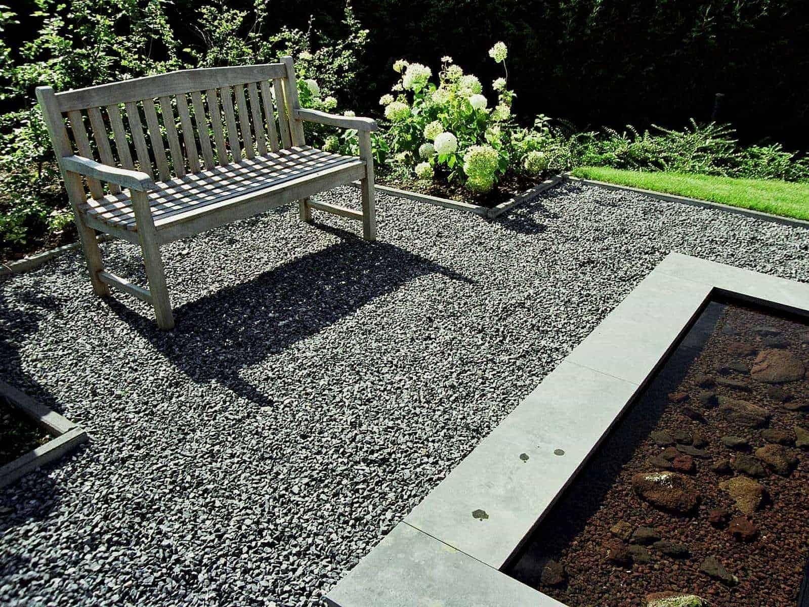 Kalksteinsplitt als Fläche für einen Sitzplatz