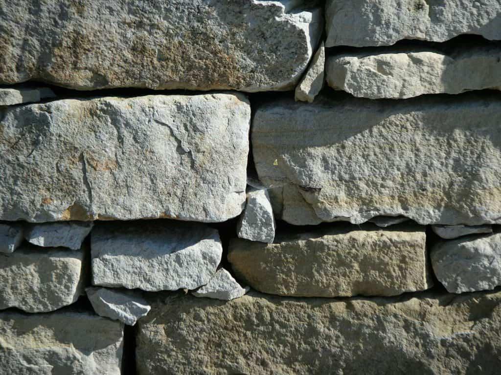 Natursteinmauer Kirchheimer Sandstein Schichtmauerwerk