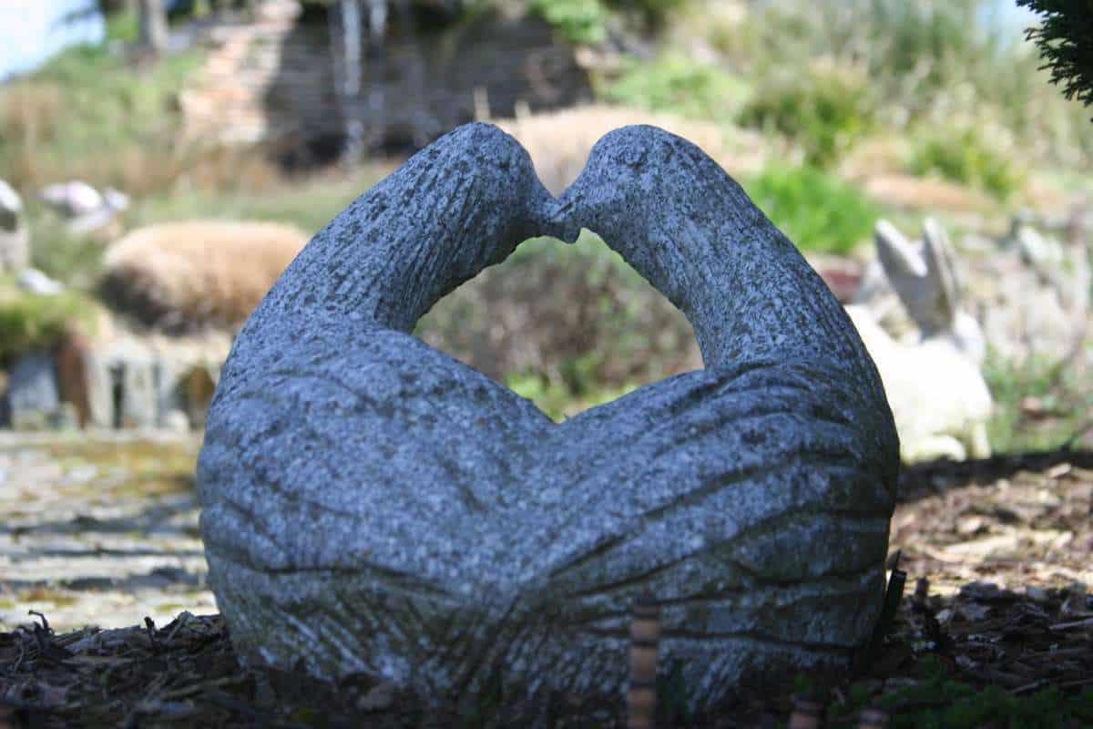 Gartendekoration Vogelpärchen Granit grau