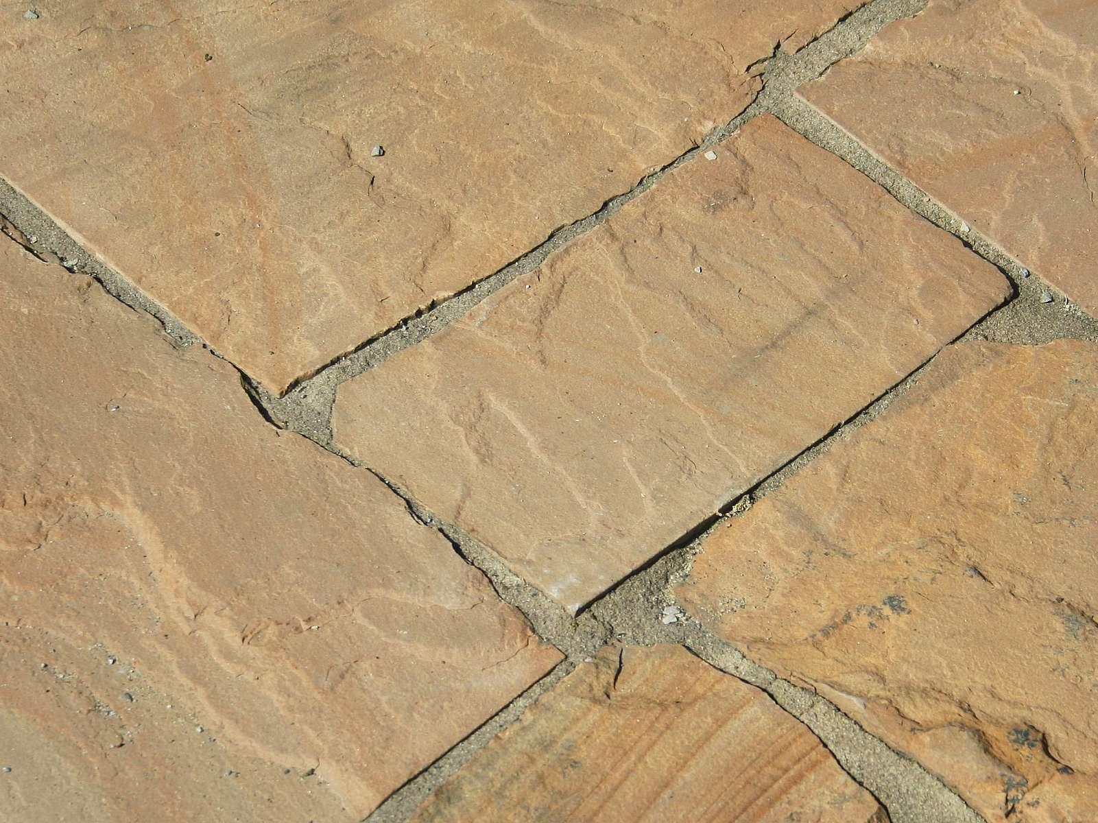 Polygonalplatte aus Toskana Sandstein