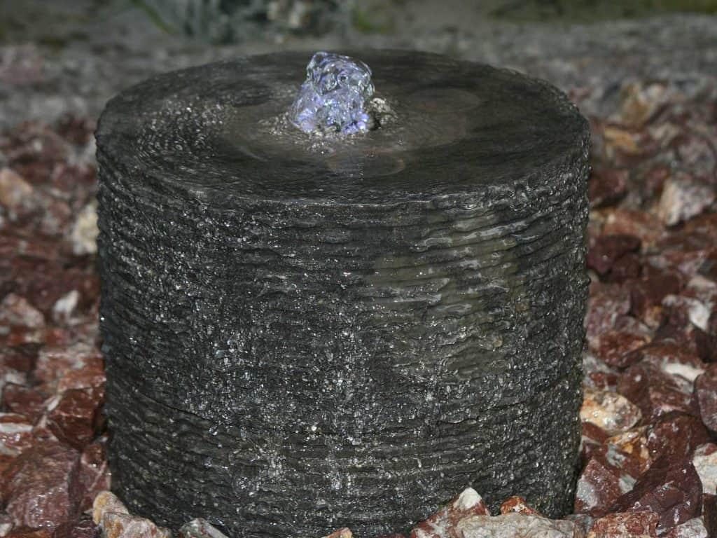 Gartenbrunnen Stapelfontäne