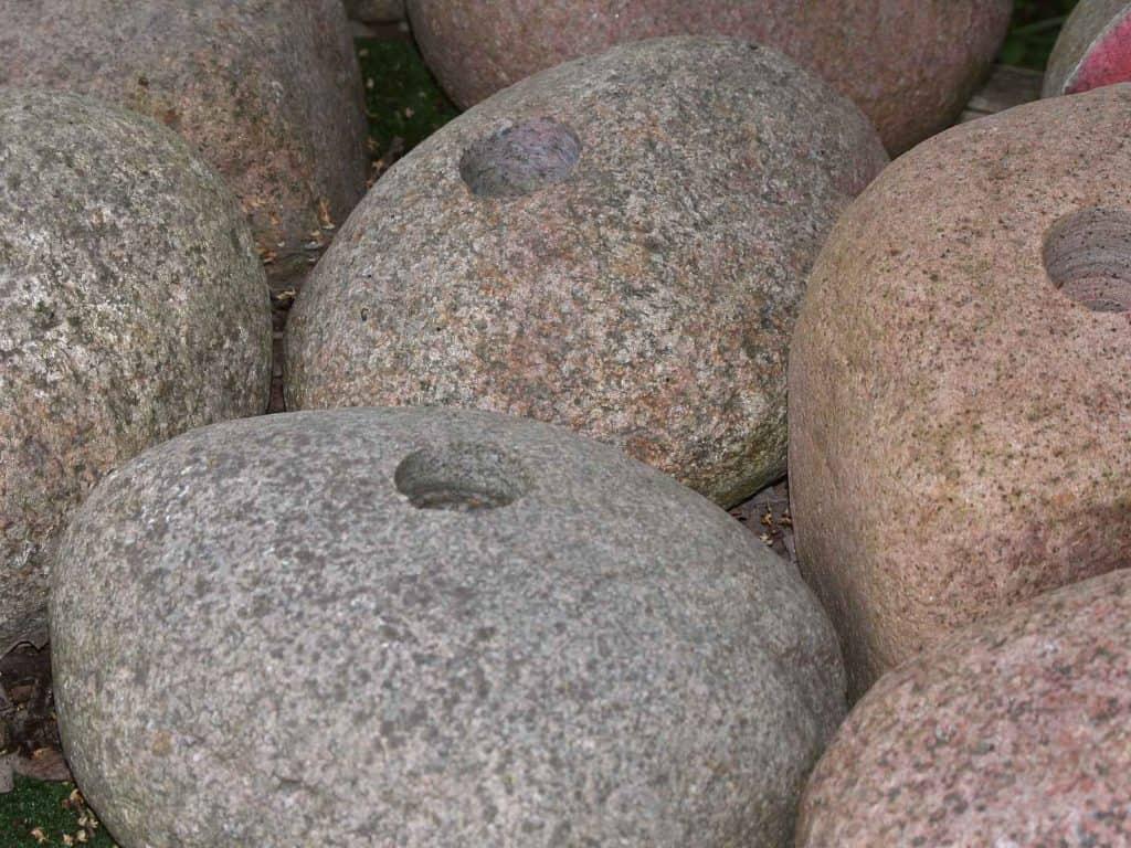 Quellsteine Granit gemischt 30-40cm