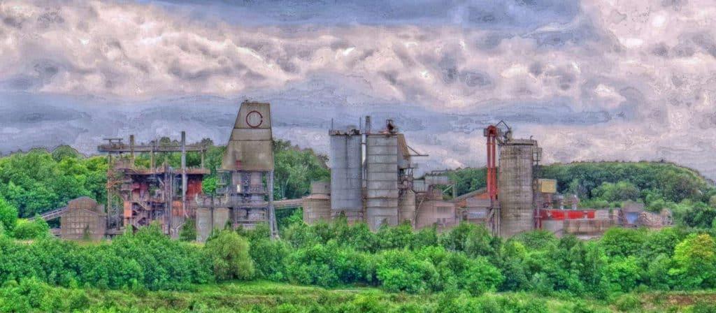 Ein Bild der Kalkwerke künstlerisch bearbeitet von Robby Maguire einem Mitarbeiter der Firma Natursteinbrueche Bergisch Land.